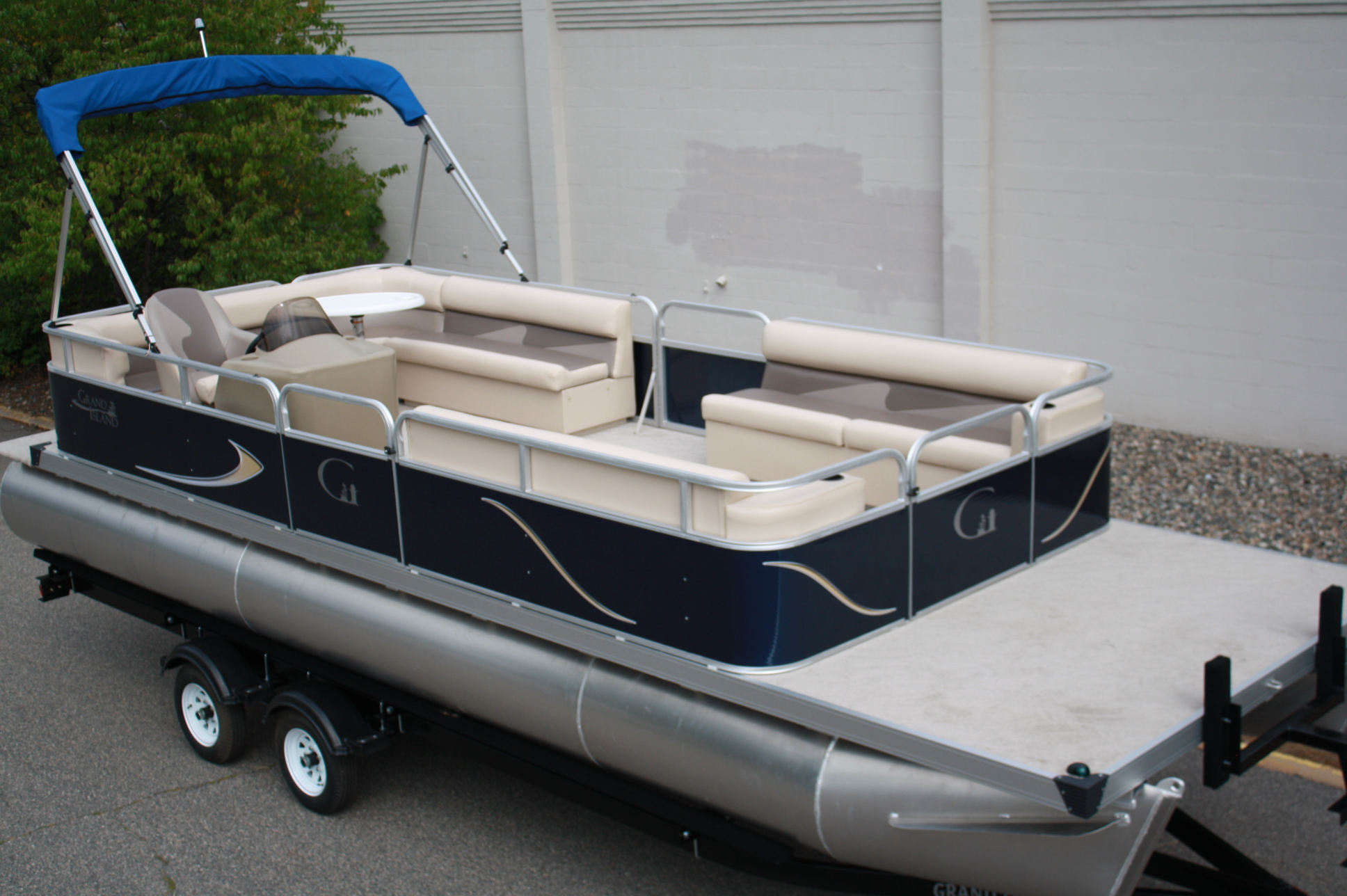 24ft L Bench Cruise T M Marine
