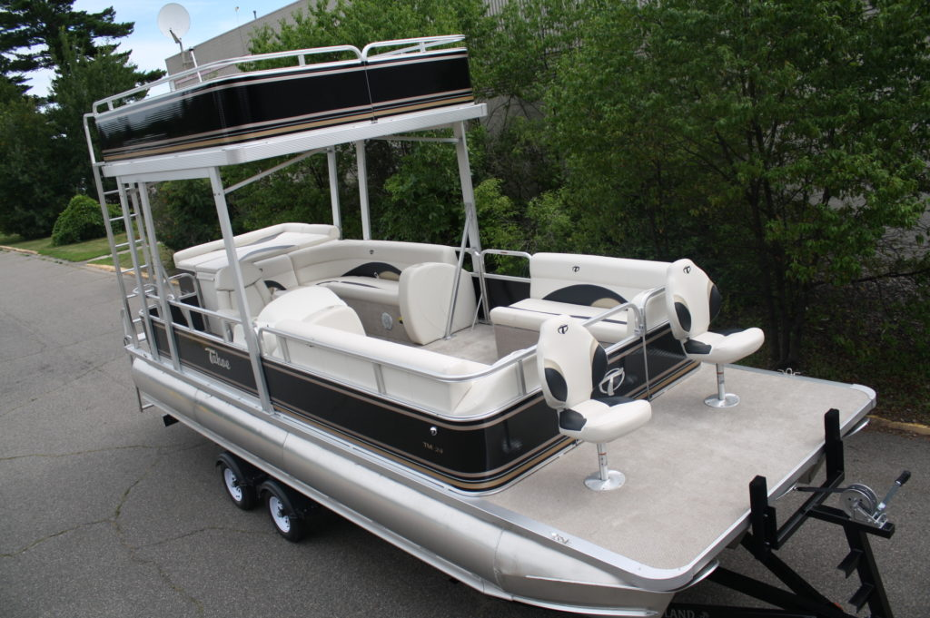 24ft elite with swim roof no slide shown with optional bow fish