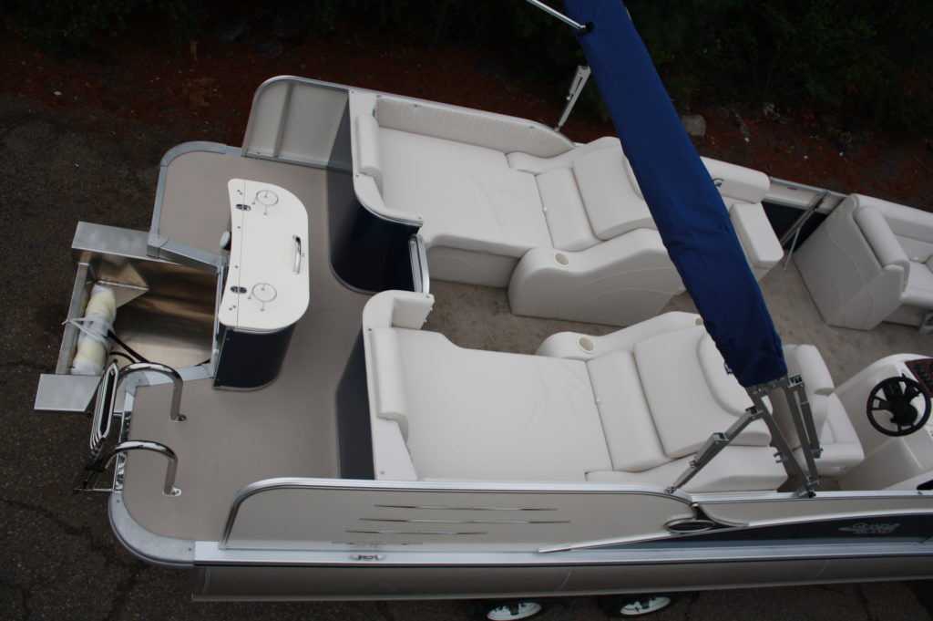 2585 cascade rear lounge tritoon high performance package t amp m marine
