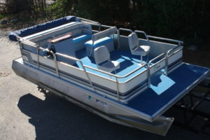 Used Pontoons | Boat Type | T&M Marine