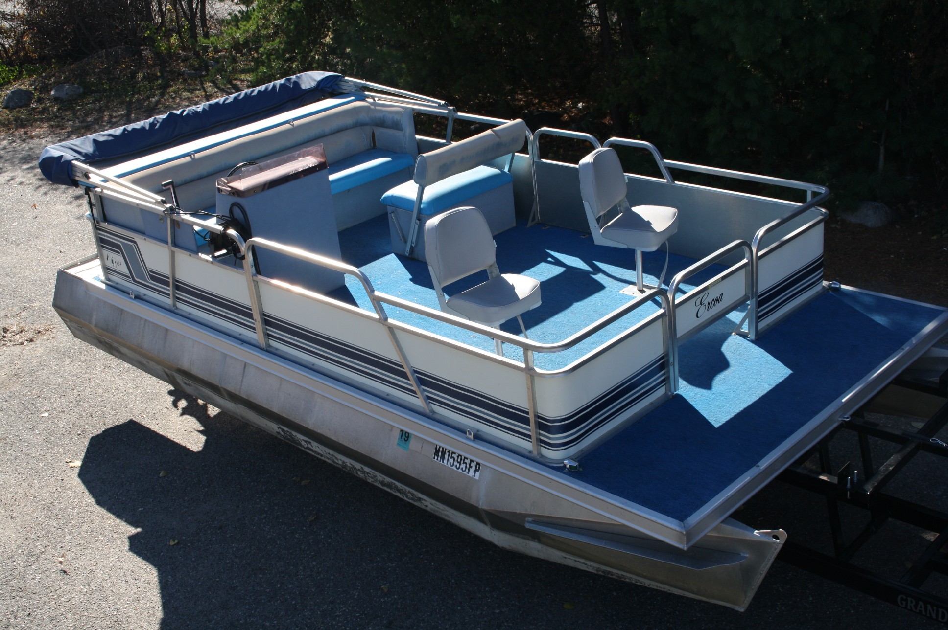 1989 16ft Ercoa Fish Model With A 28hp Johnson T Amp M Marine