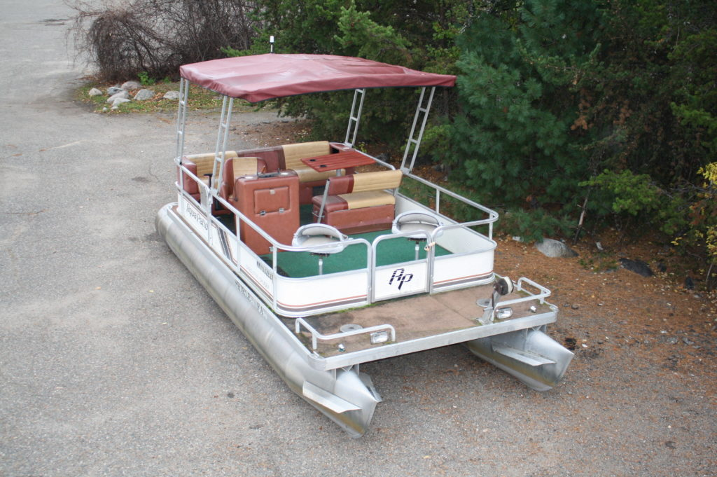 20 ft  1986 Aqua Patio pontoon with a 50 hp  Johnson No Bimini   T&M