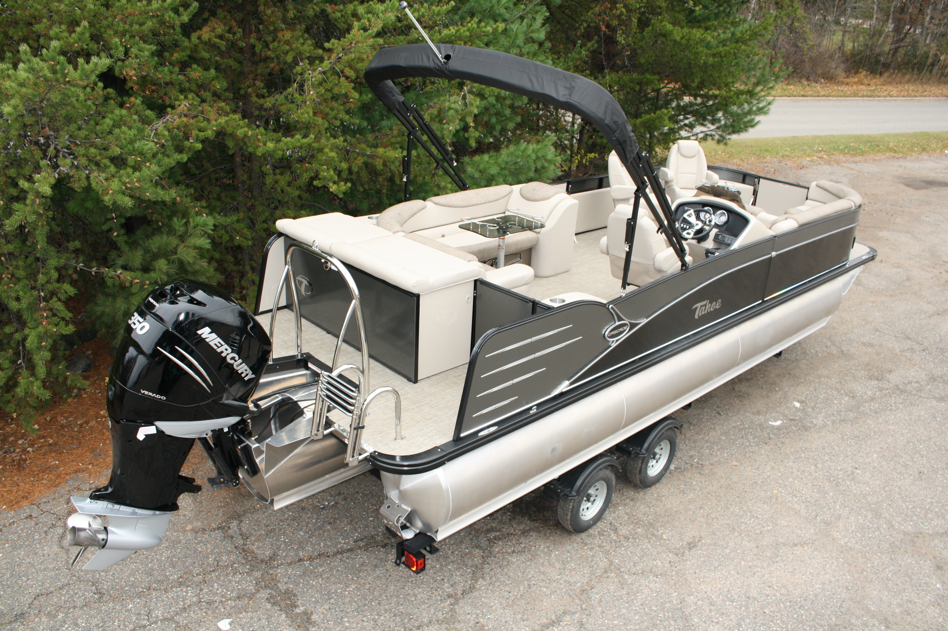 25 ft Cascade Triple Tube pontoon boat with 350 hp  Outboard and